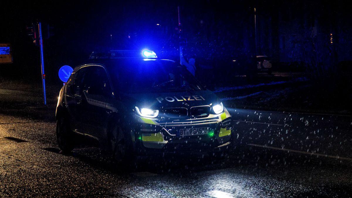 In Kaisheim hat ein 63-Jähriger seine Ehefrau erschossen und sich selbst tödlich verletzt.