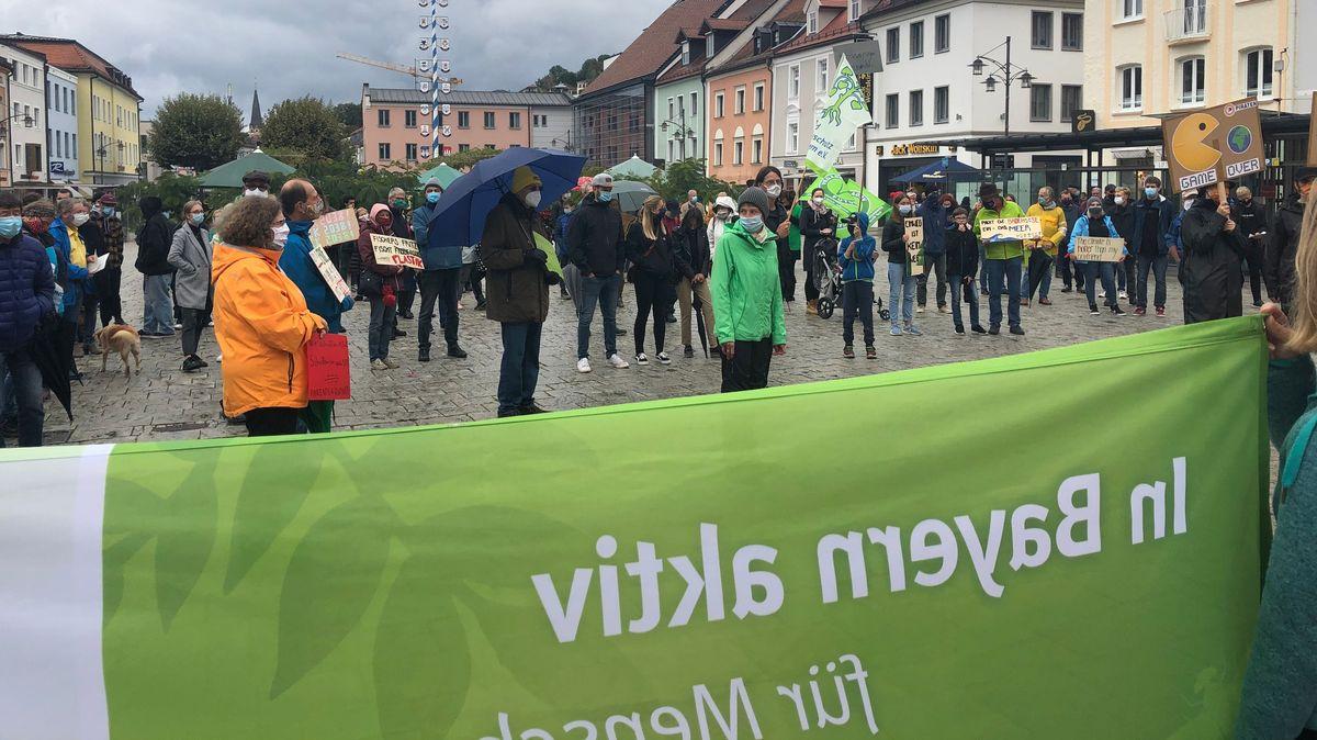 Die Demonstranten in Deggendorf