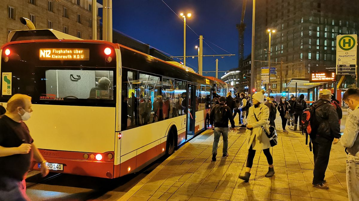 Pendler am Nürnberger Hauptbahnhof