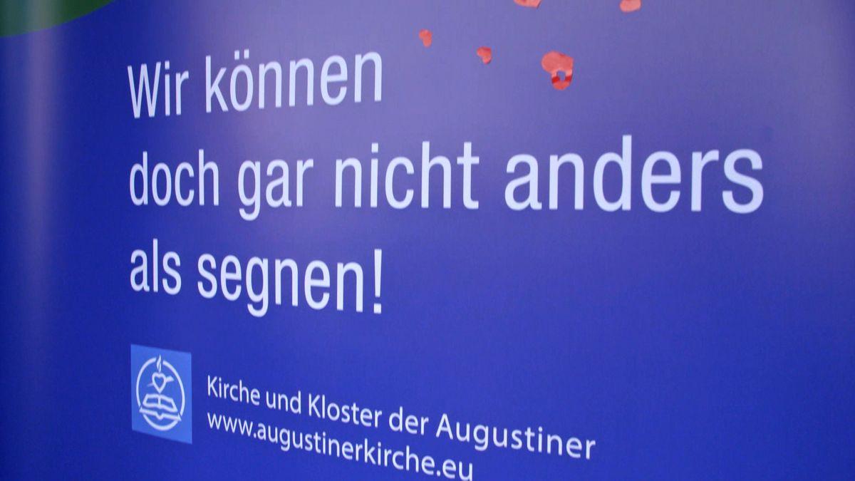 Plakat zum Protest gegen das Segnungsverbot für gleichgeschlechtliche Paare