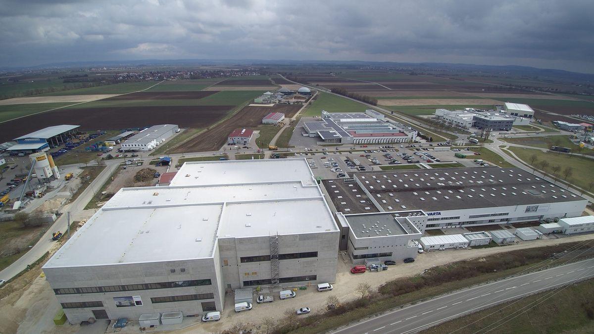 Im neuen Werk in Nördlingen kann Varta mehr als eine Million Batterien produzieren.