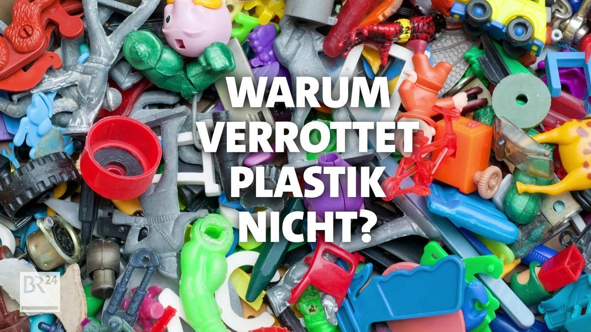 Ein Berg von buntem Plastikmüll