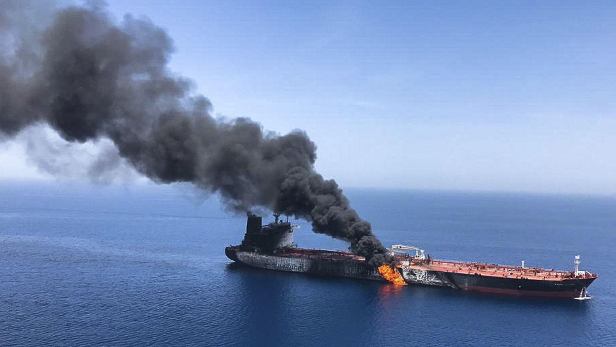 Angriffe auf zwei Öltanker in der Nähe des Persischen Golfs