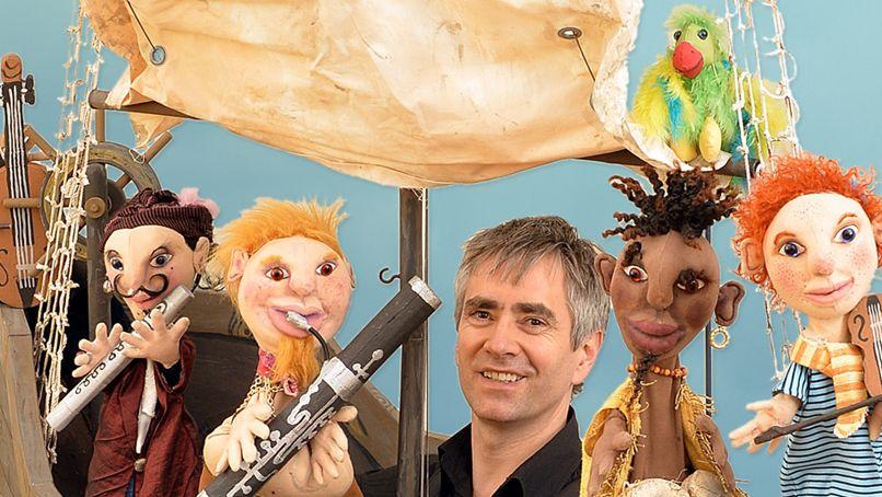 """Bild mit Puppen des Figurentheaters """"Die roten Finger"""" aus Hannover"""