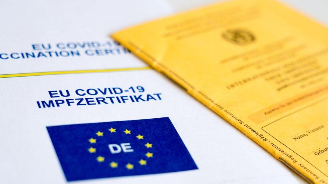 Kanzleramtsminister Helge Braun kündigt mehr Freiheiten für Geimpfte an.