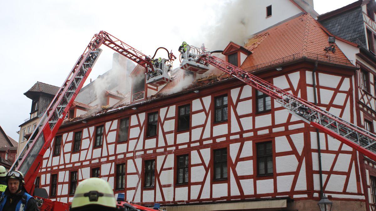 Brand in Nürnberger Fachwerkhaus