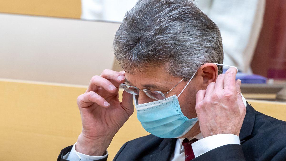 Michael Piazolo, bayerischer Kultusminister, am 2.12.2020 im Bayerischen Landtag.