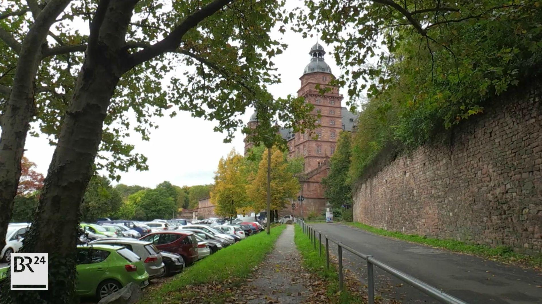Das Mainufer am Aschaffenburger Schloss Johannisburg