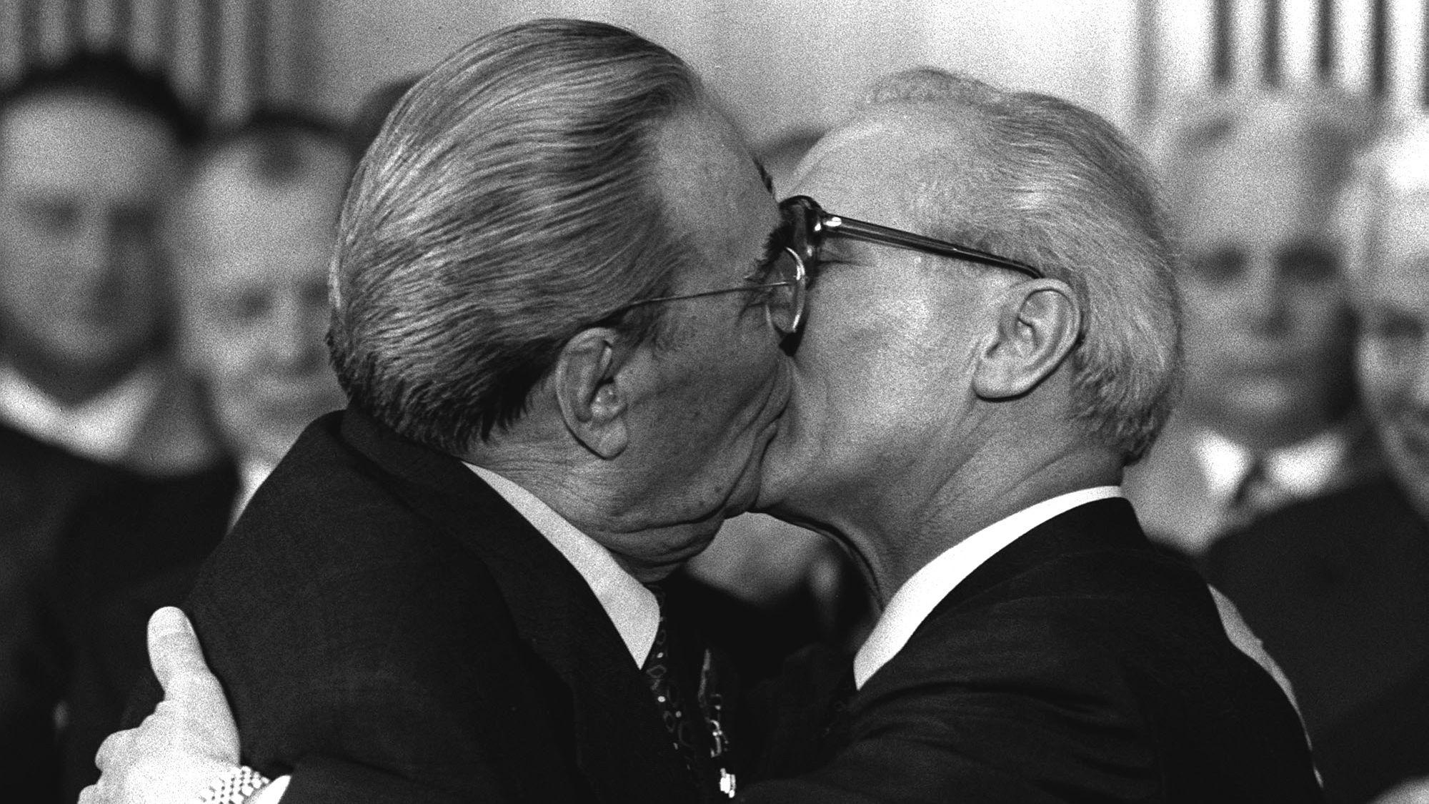 4.10.1979: Leonid Breschnew und Erich Honecker