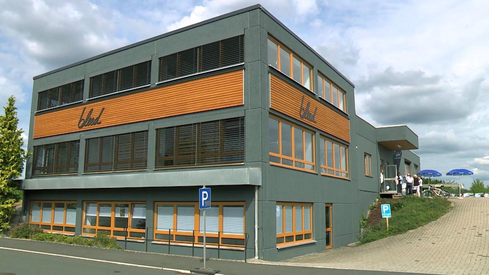 Der neue Firmensitz des Ökomoden-Herstellers Bleed in Helmbrechts