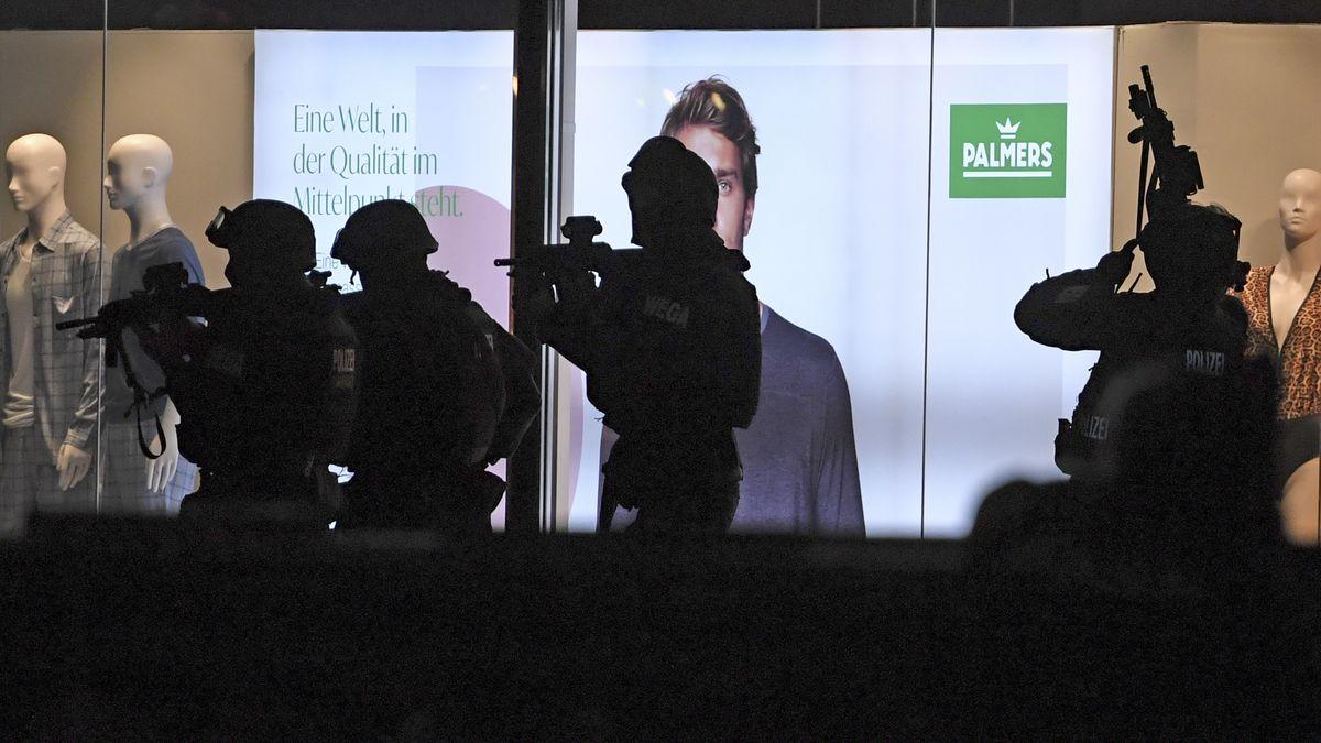Anti-Terro-Einsatz in Wien läuft in der Nacht weiter