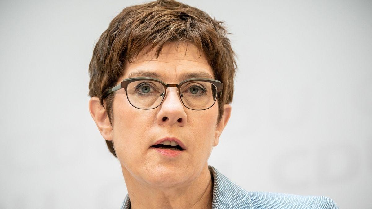 Annegret Kramp-Karrenbauer, Bundesverteidigungsministerin (CDU)