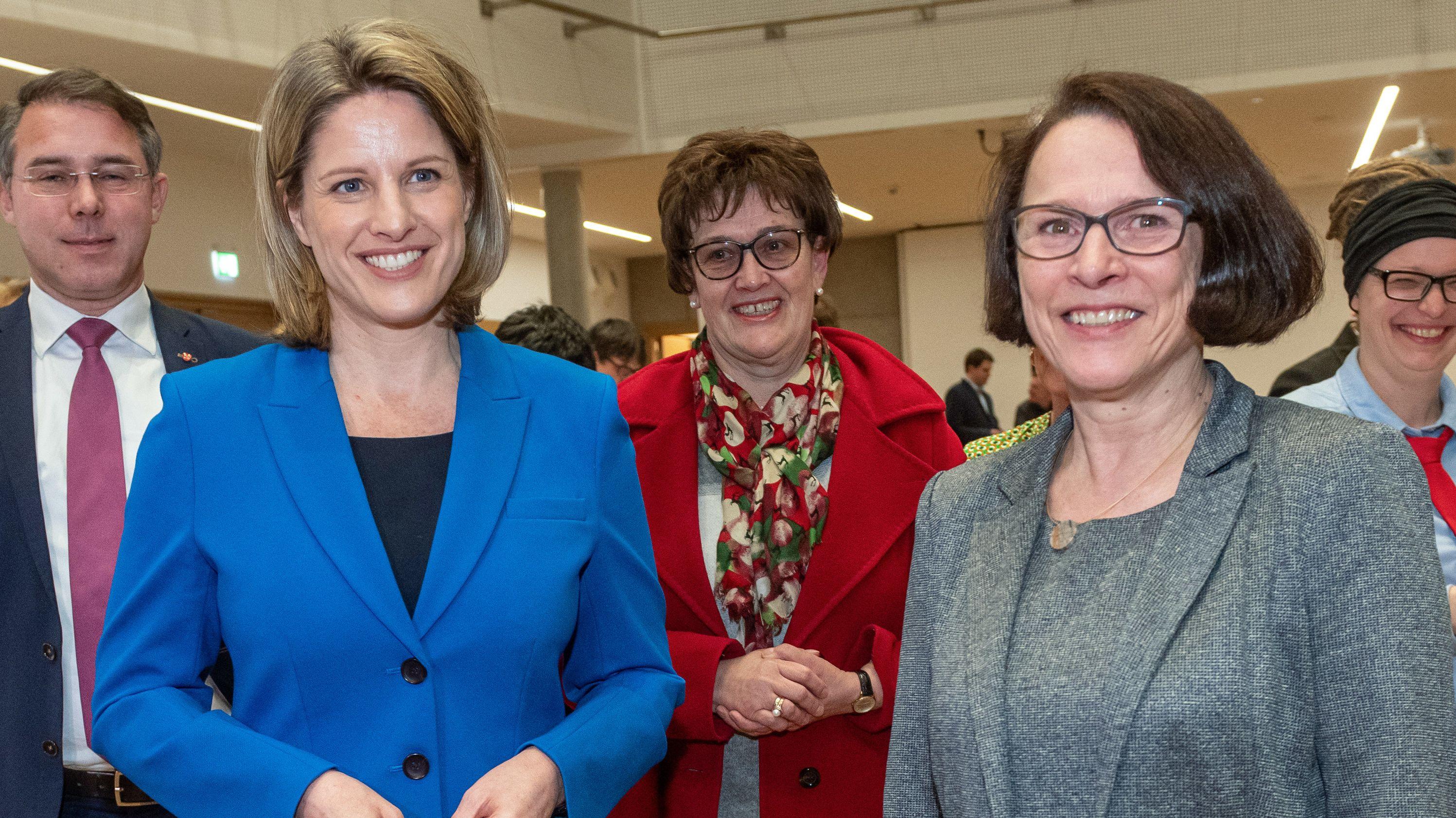 Bei der Stichwahl am 29.03.2020 treten Astrid Freudenstein (CSU) und Gertrud Maltz-Schwarzfischer (SPD) an.