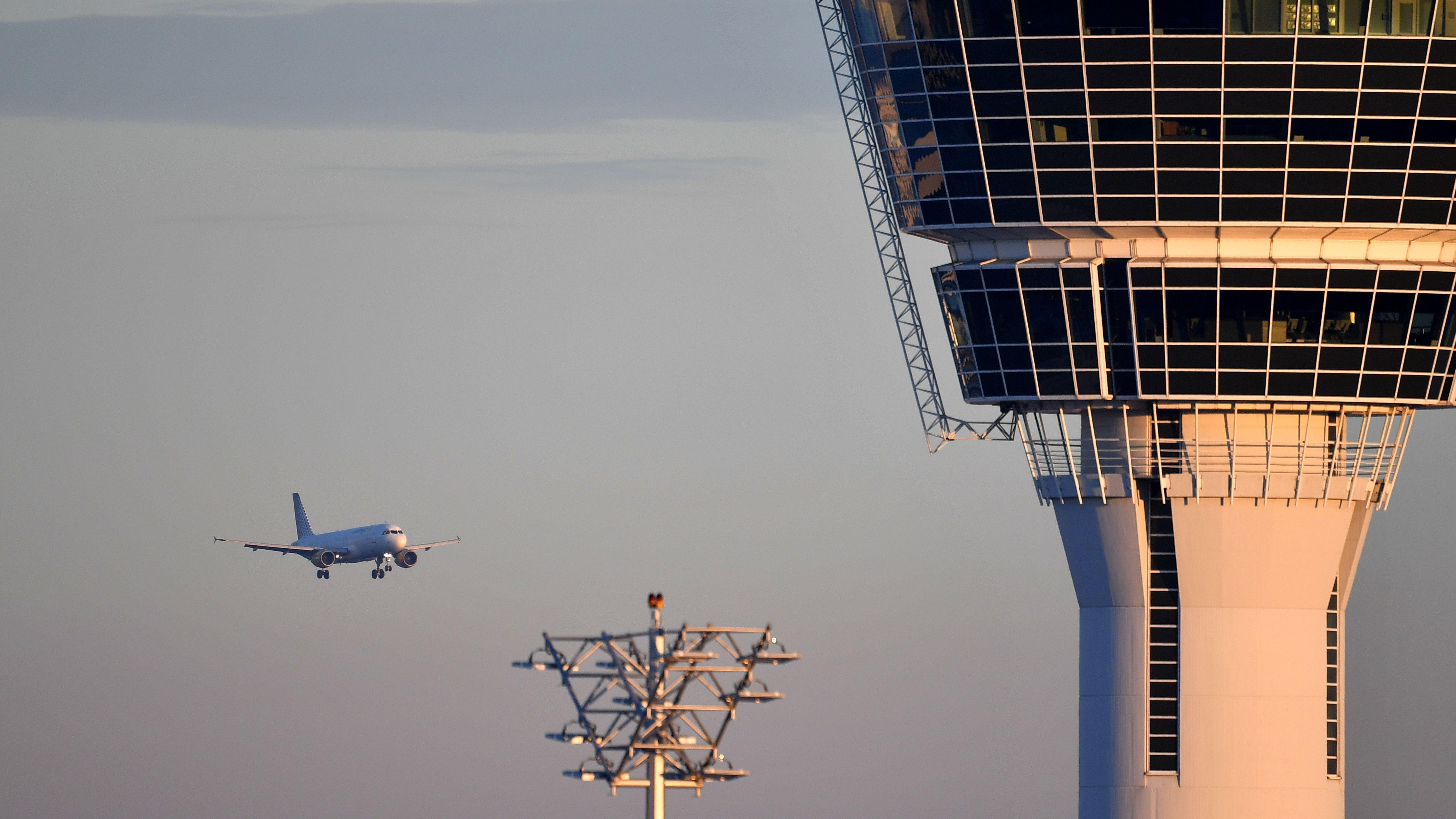 Tower am Flughafen München (Symbolbild)