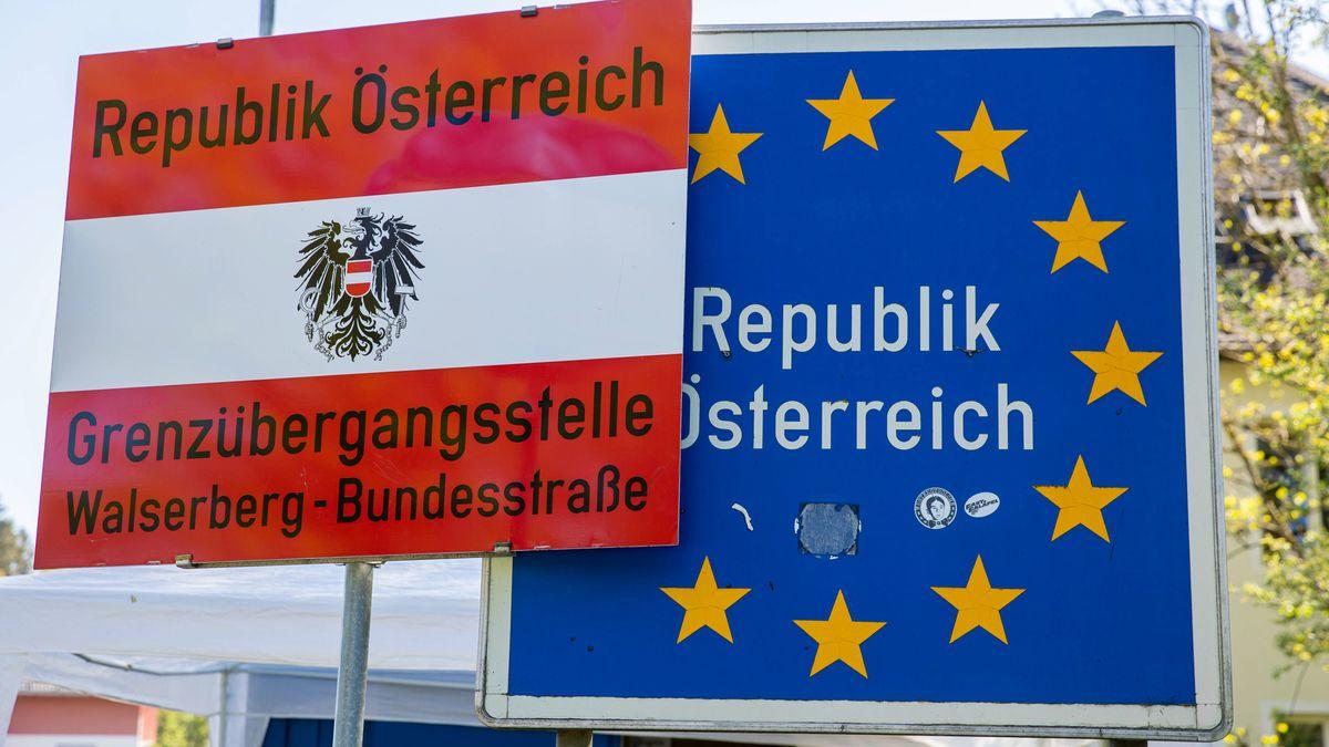 Österreichische Grenzbeschilderung