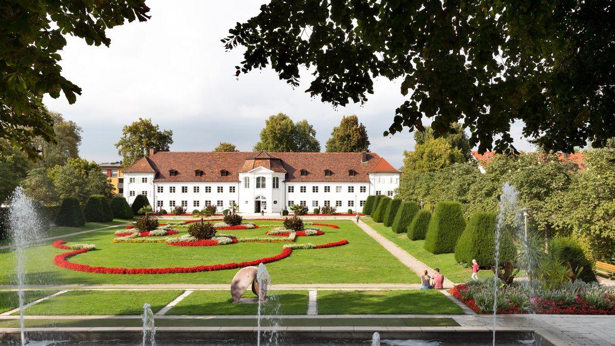 Das Orangeriegebäude im Hofgarten der Kemptener Residenz