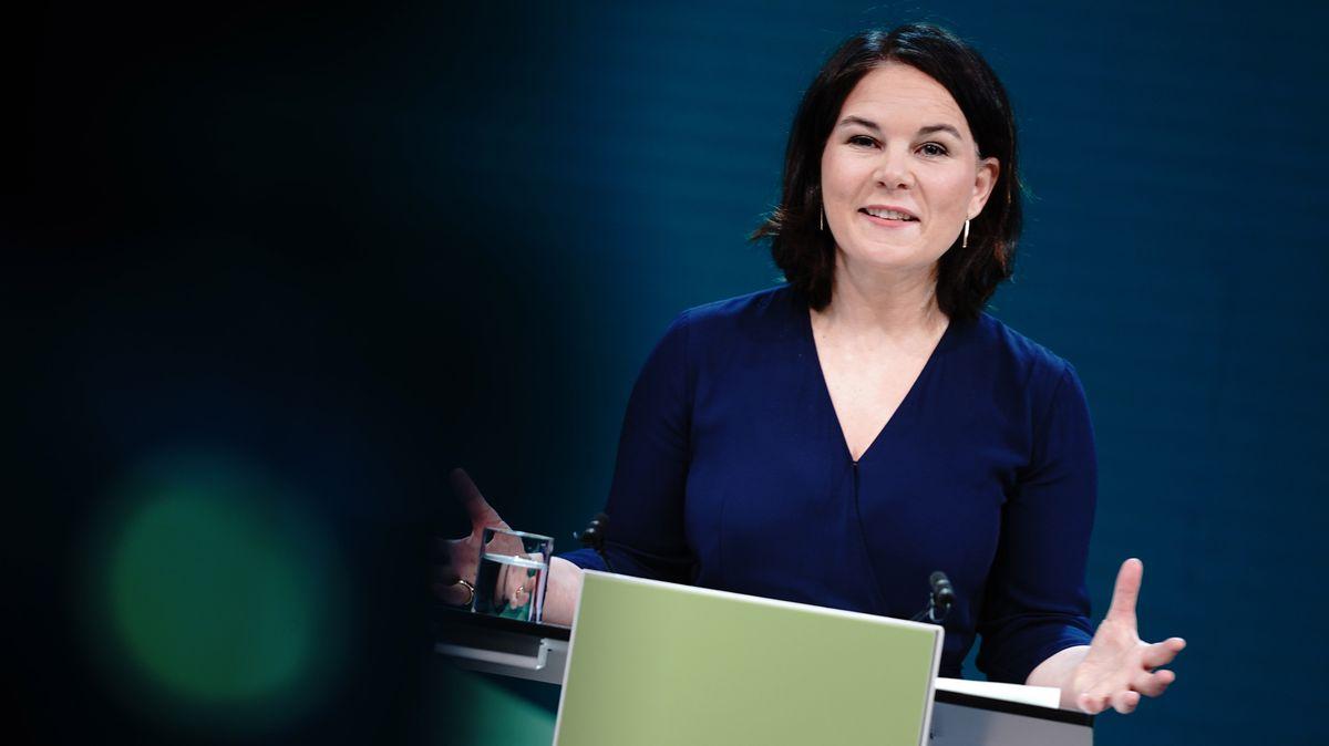 Kanzlerkandidatin und Mutter: Annalena Baerbock werden Fragen gestellt, die ihren männlichen Kontrahenten nicht gestellt werden.
