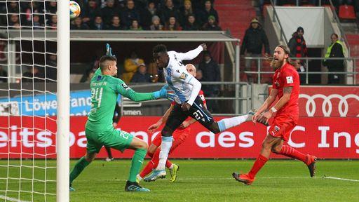 Prince Owusu (TSV 1860 München) machte das Tor zum 1:1