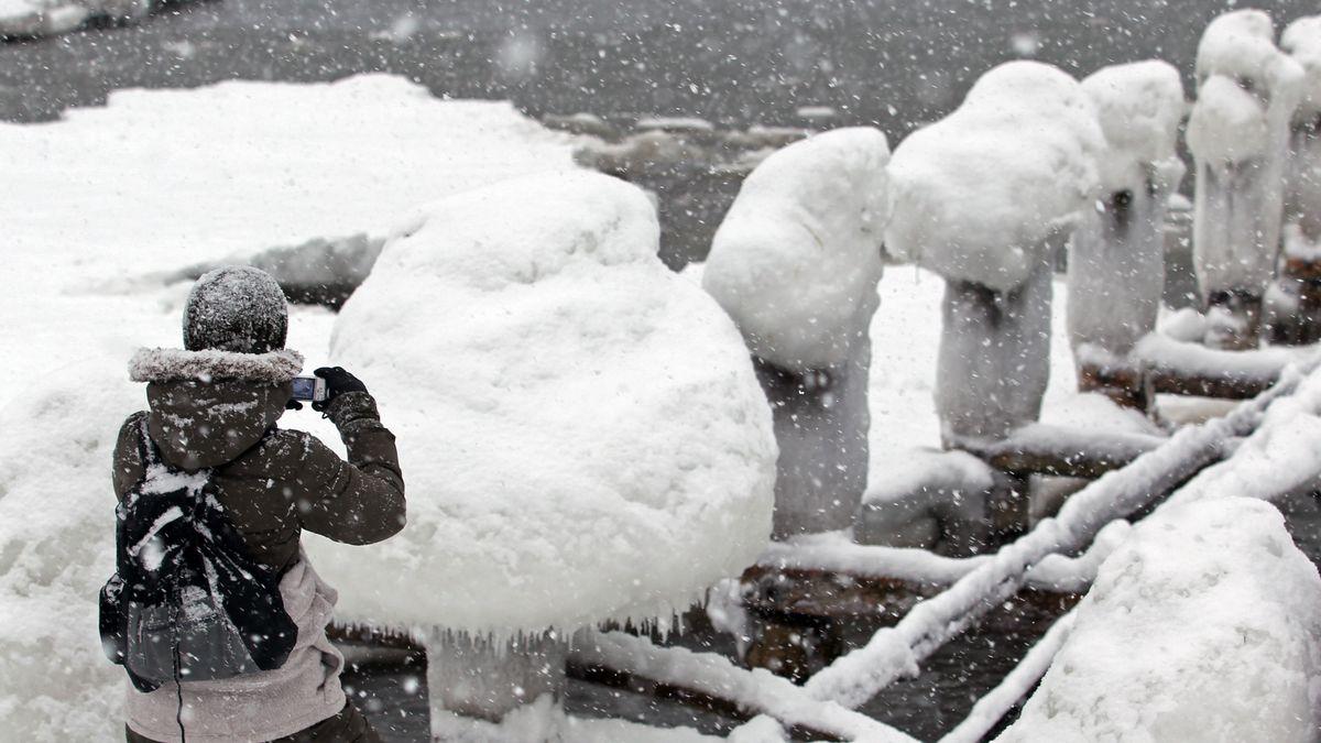 Archivbild: Schneesturm an der Ostsee
