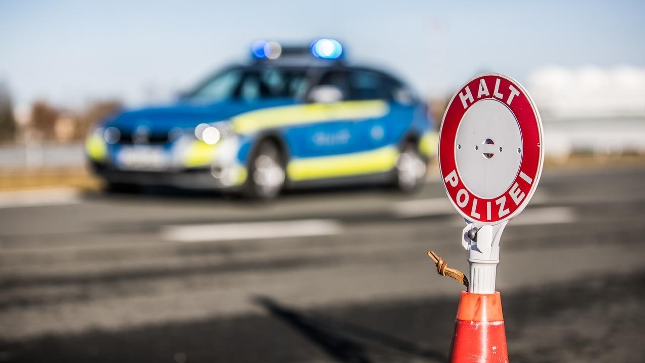 Verkehrskontrolle (Symbolbild).