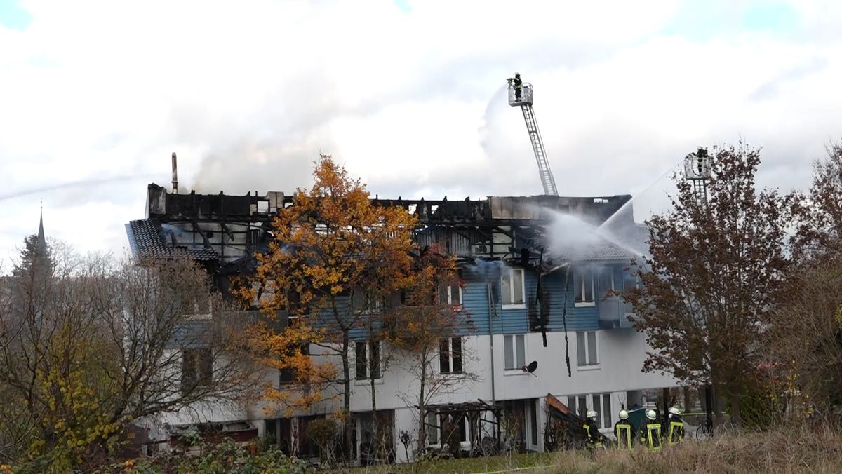 Löscharbeiten in Ochsenfurt