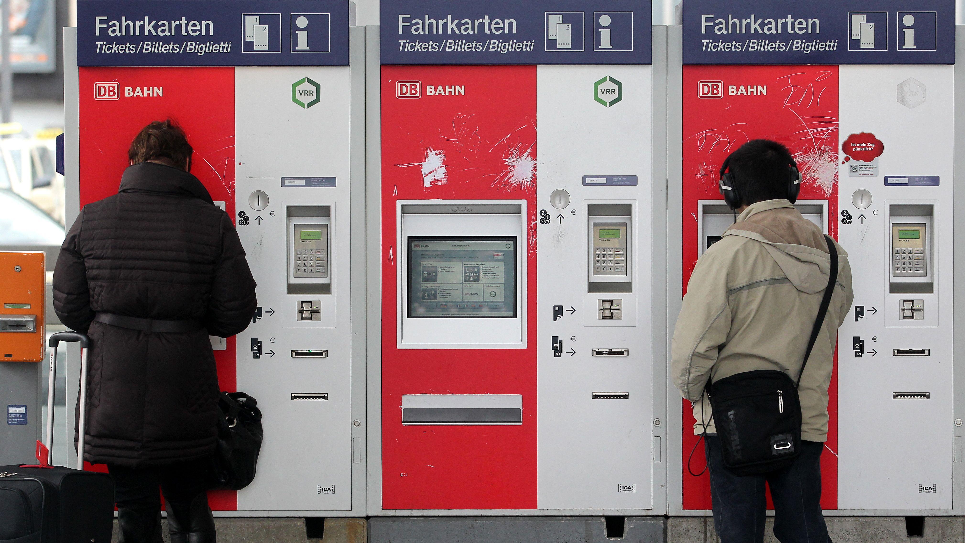 Fahrkartenautomaten der Deutschen Bahn (Symbolbild)