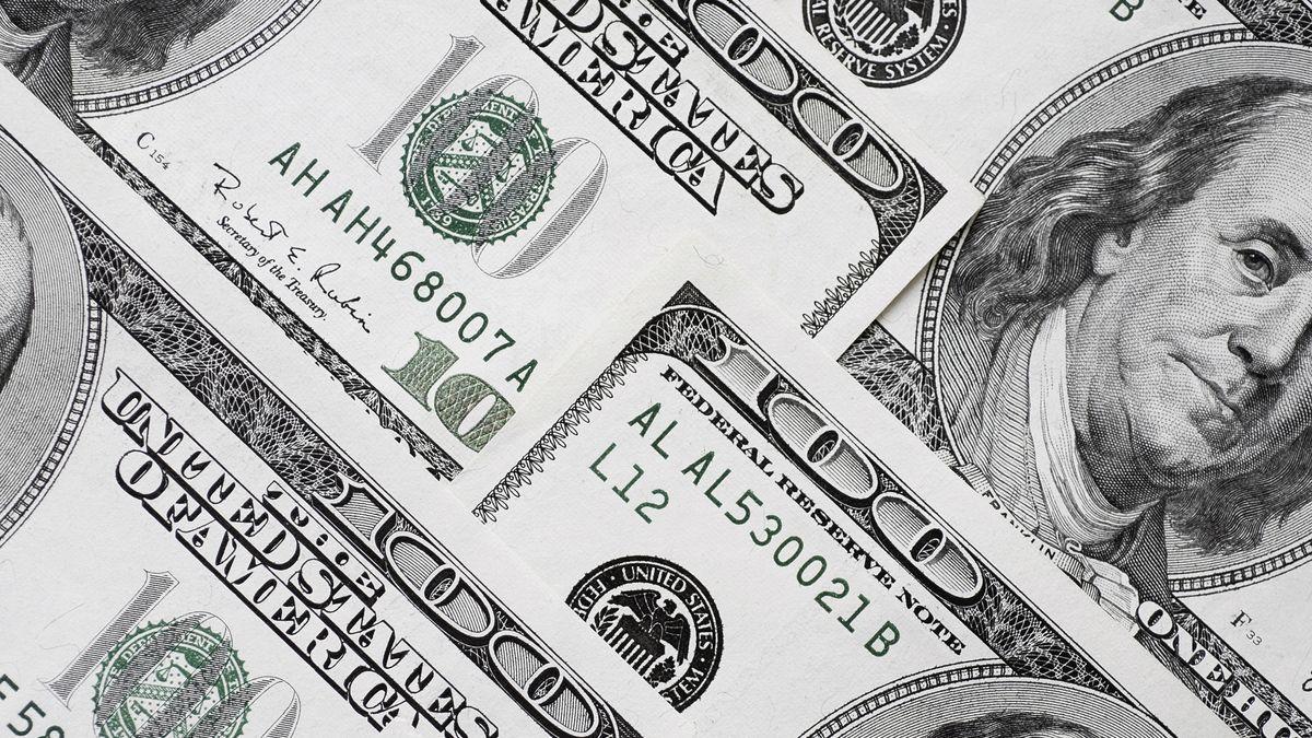 Mehrere Hundert-Dollar-Noten