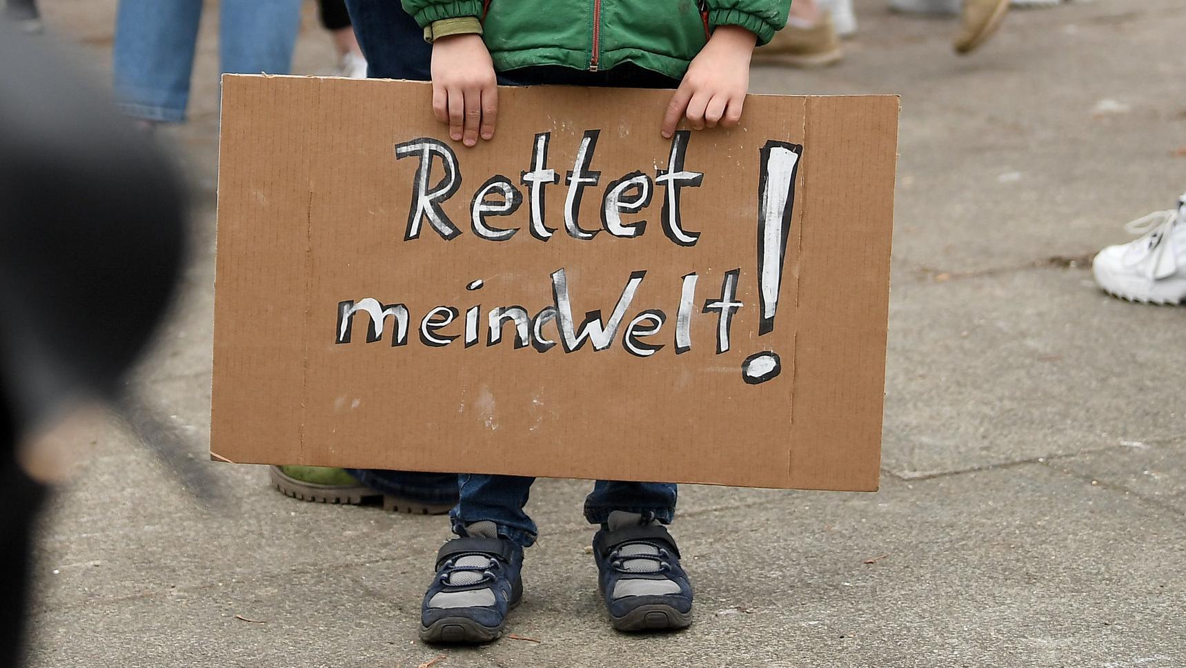 """Rettet meine Welt"": Der sechsjährige Jonathan demonstriert in Berlin"