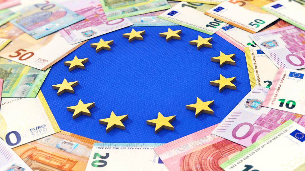 Das Bundesverfassungsgericht hat einen Eilantrag gegen das deutsche Ratifizierungsgesetz zum Corona-Hilfsfonds der Europäischen Union abgelehnt.