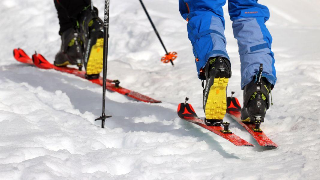 zwei Skitourengeher (Symbolbild)