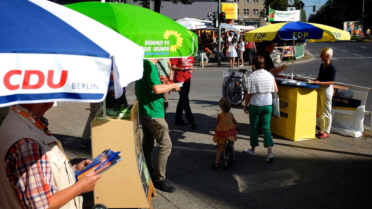 Direkte Gespräche an Wahlkampfständen mit den Bürgern in den Innenstädten, darauf wollen die Parteien nicht verzichten