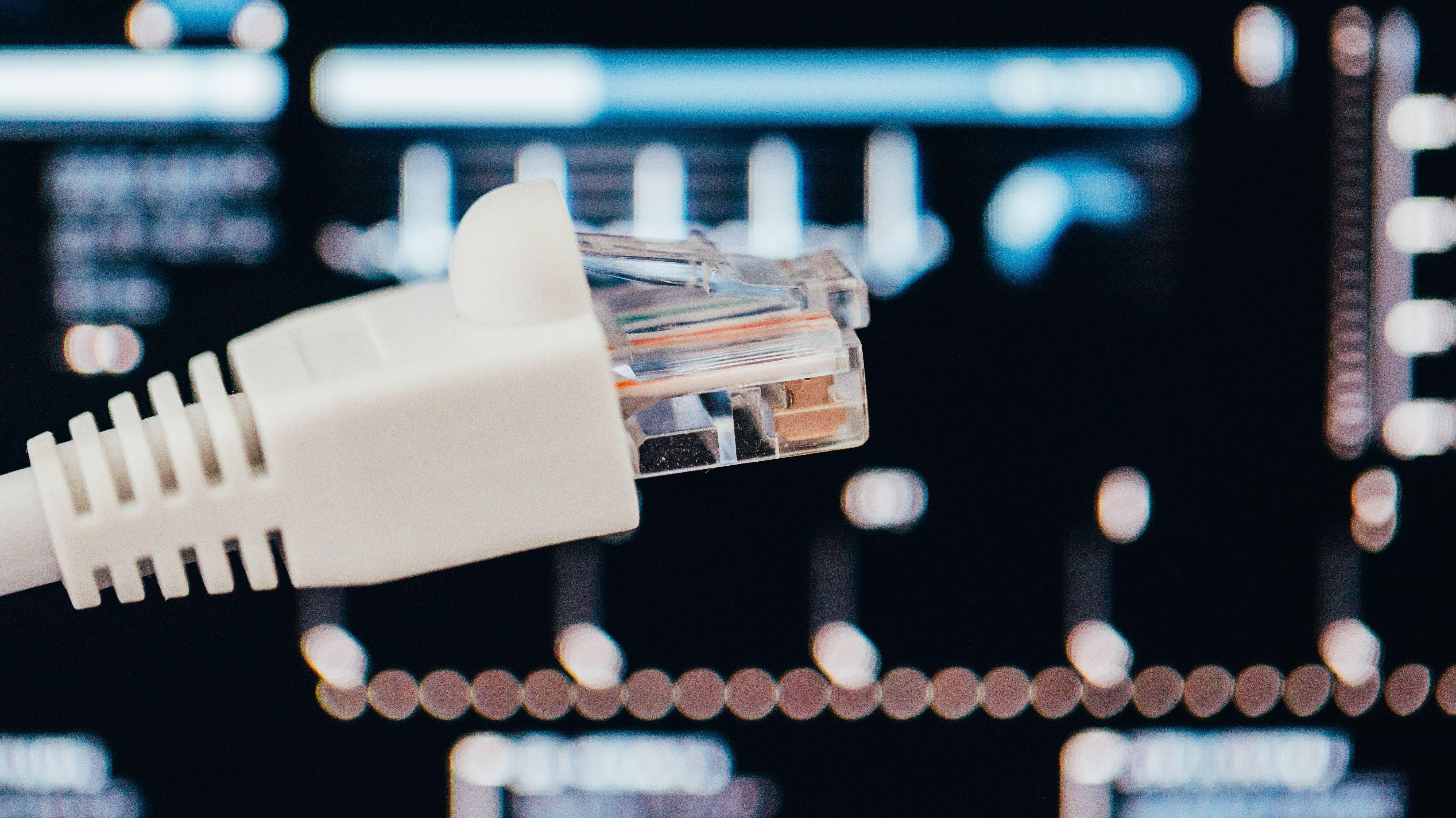 Steckverbindung fir Hochgeschwindigkeits-Internet