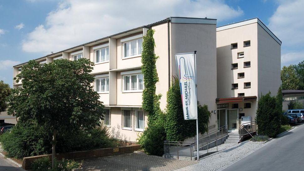 """Bildungshaus """"Haus St. Michael"""" in Bad Königshofen"""