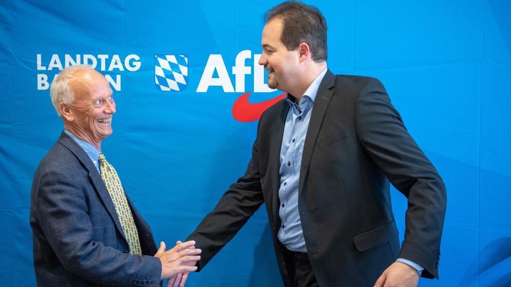 Uli Henkel (l) Mitglied der bayerischen Landtagsfraktion der AfD und Martin Sichert bayerischer Landesvorsitzender  | Bild:picture alliance/dpa/Lino Mirgeler