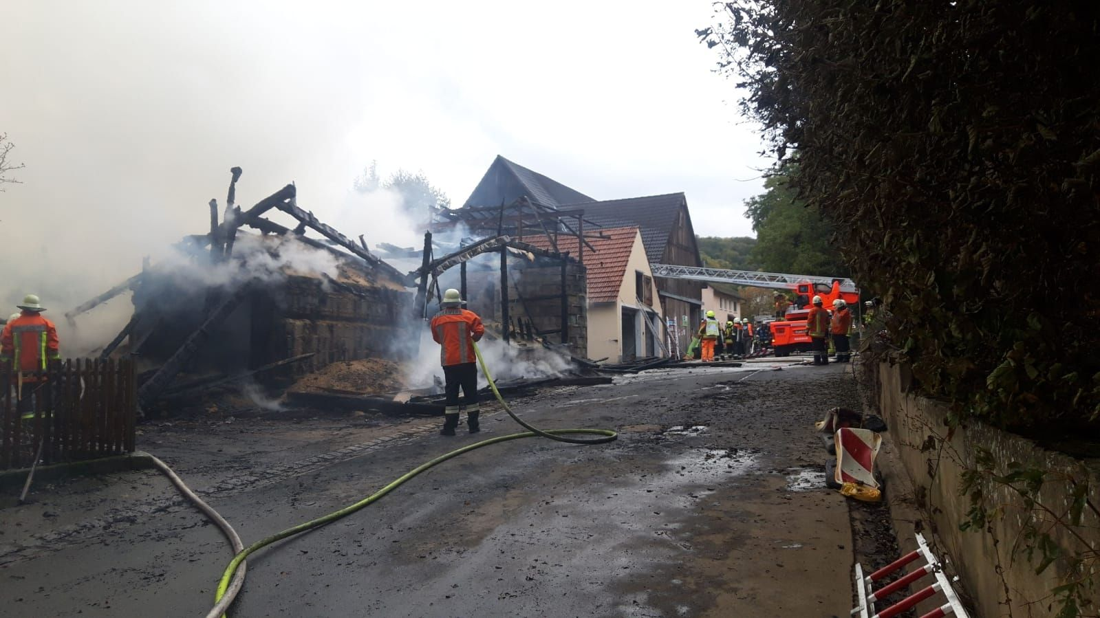 Mehrere Gebäude in Thurnau (Landkreis Kulmbach) standen in Flammen.