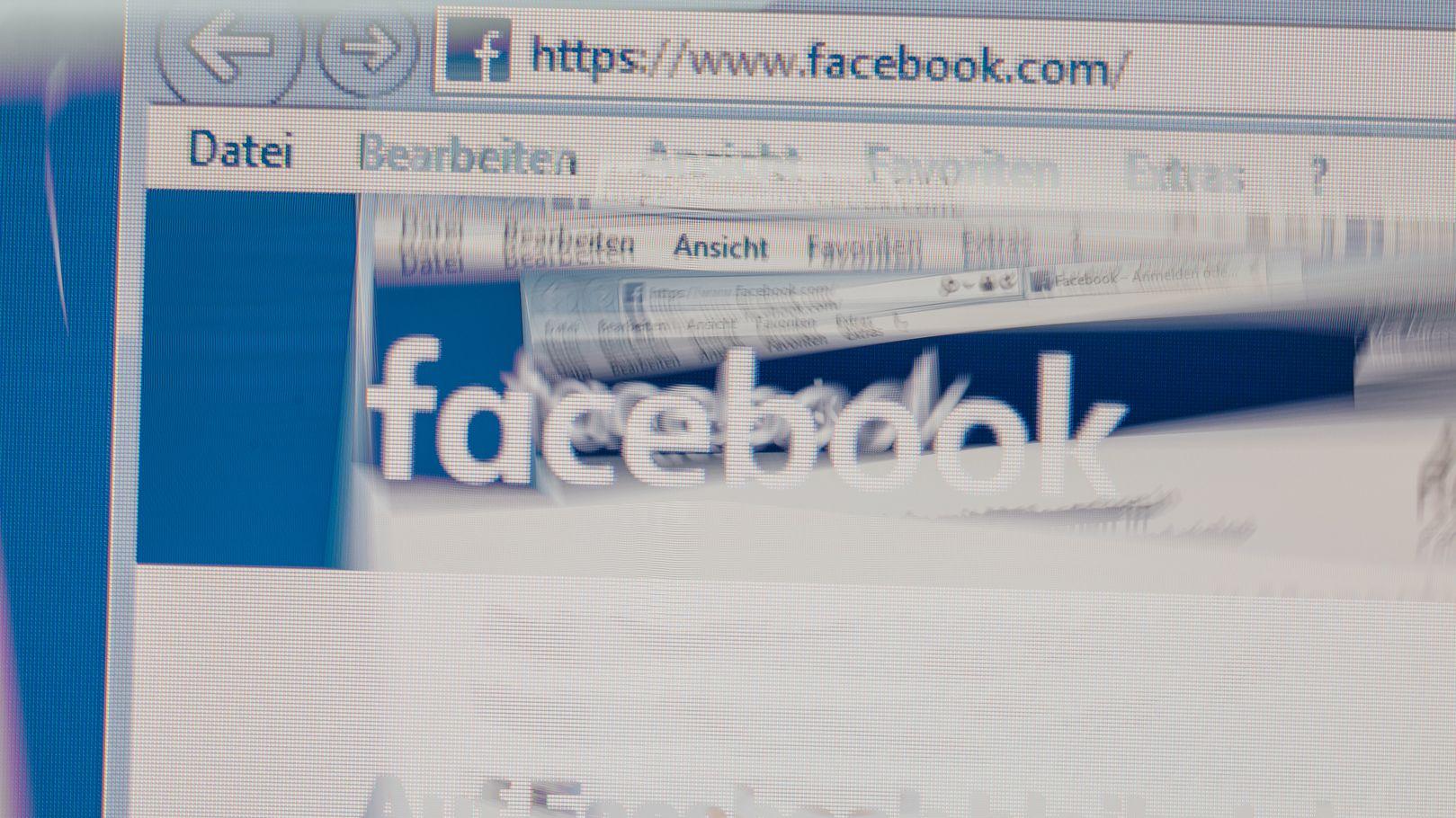 """Auf einem Computerbildschirm ist die Startseite des sozialen Netzwerkes """"Facebook"""" zu sehen."""