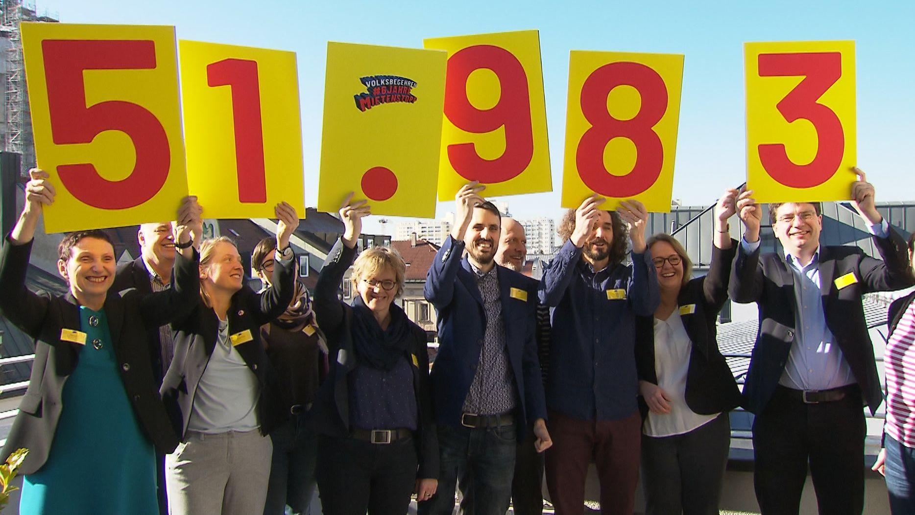 Organisatoren des Volksbegehrens halten Zahlen hoch