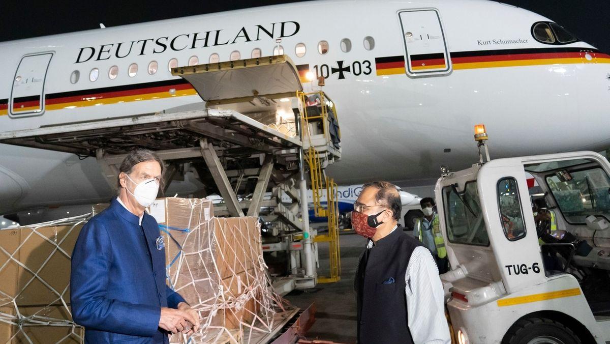 Deutscher Botschafter Walter Lindner. Am Wochenende ist ein Flieger der Bundeswehr mit Corona-Hilfsmaterial aus Deutschland in Indien gelandet.