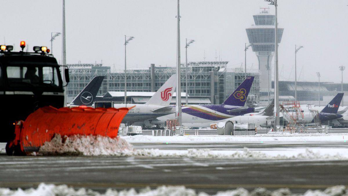 Münchner Flughafen im Winter - von hier starten immer wieder Abschiebeflüge mit abgelehnten Asylbewerbern