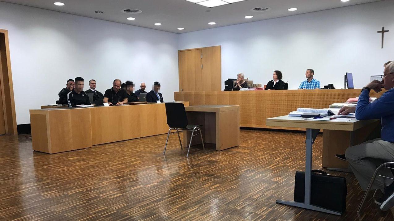 Prozess wegen mutmaßlicher Vergewaltigung gegen drei afghanische Asylbewerber am 13.06.19 vor dem Augsburger Amtsgericht.