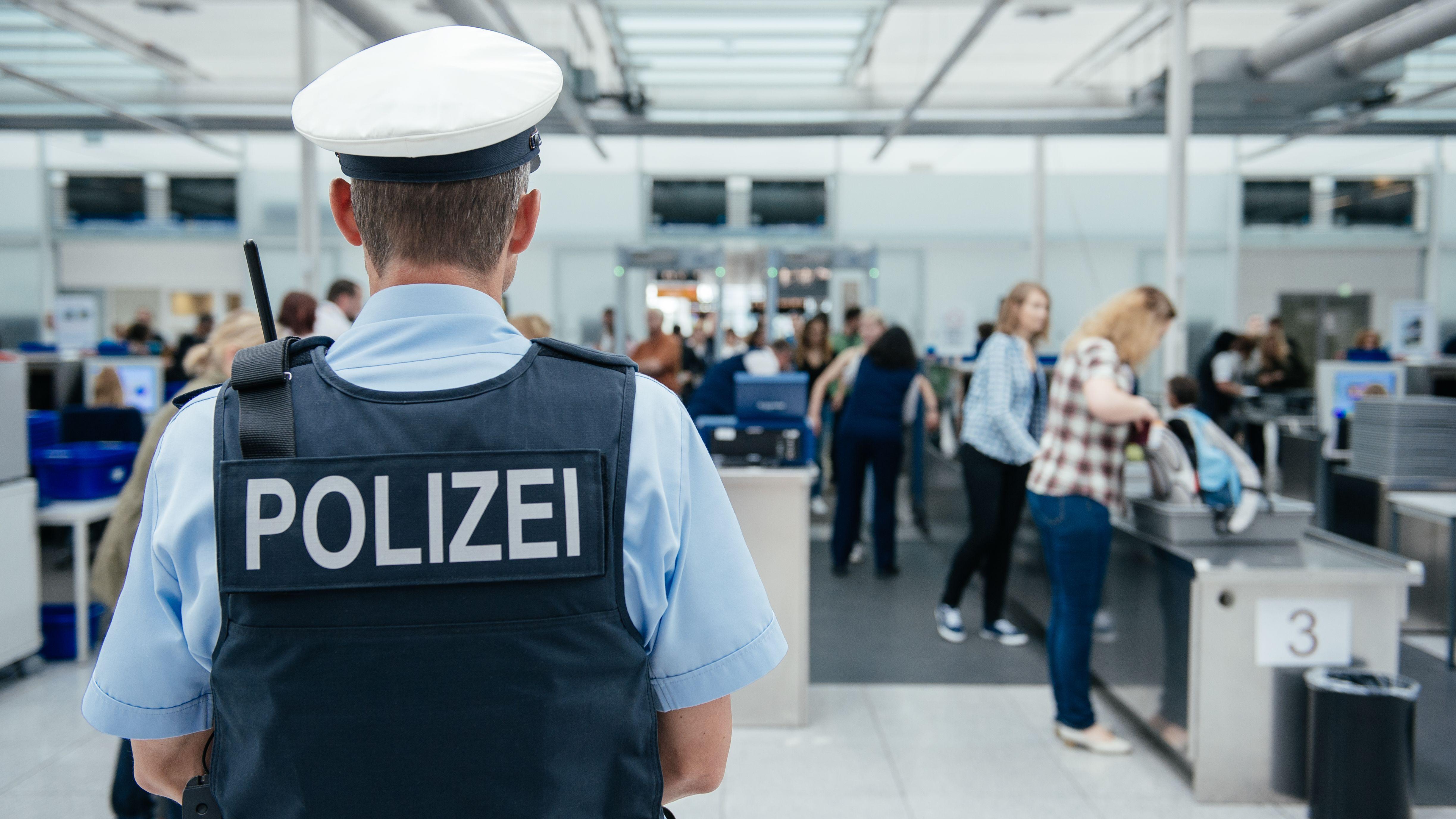 Sicherheitskontrolle am Flughafen München (Archivbild)