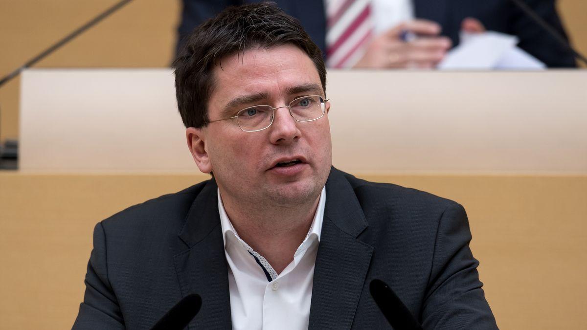 Florian von Brunn (SPD) spricht im Landtag.