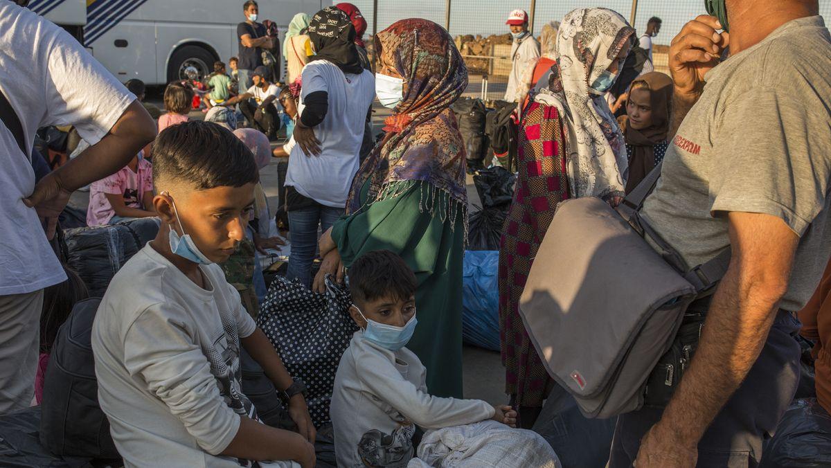 Flüchtlinge aus dem niedergebrannten Lager Moria auf Lesbos