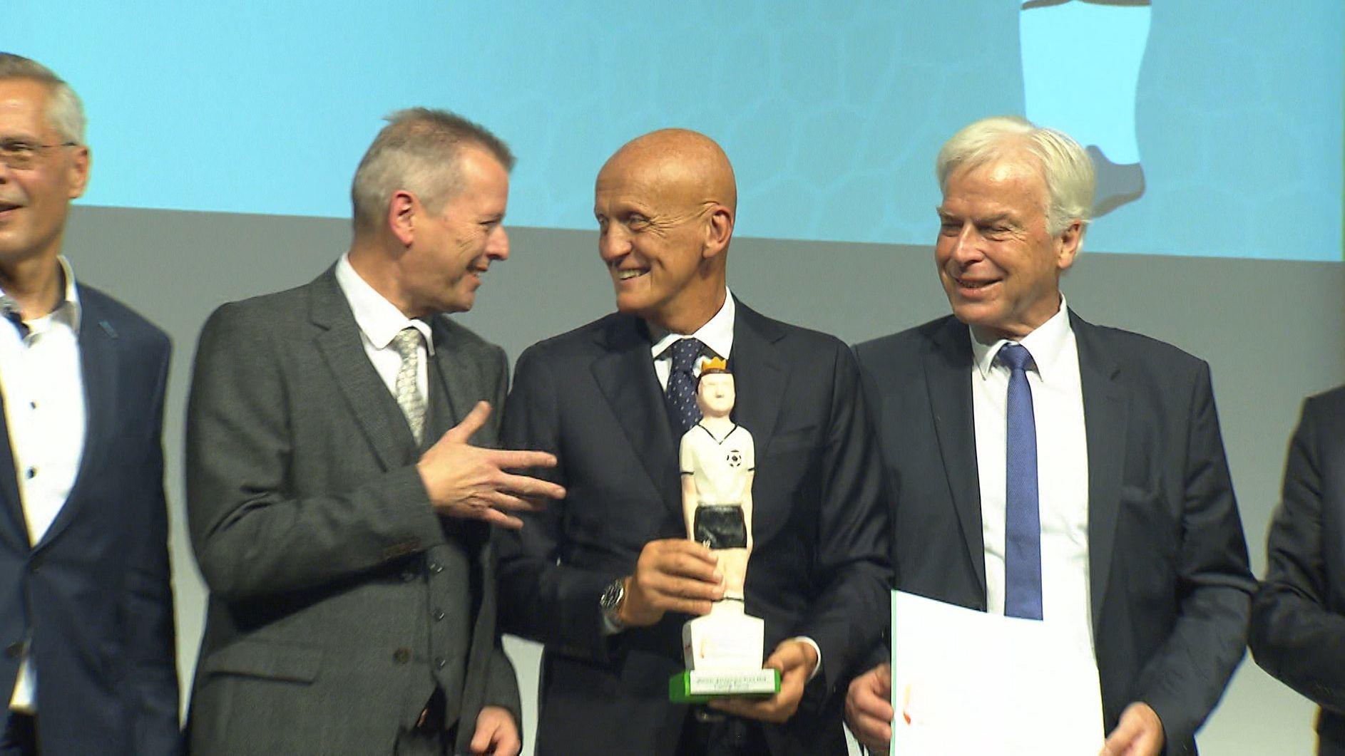 Pierluigi Collina erhält als erster Schiedsrichter den Walther-Bensemann-Preis