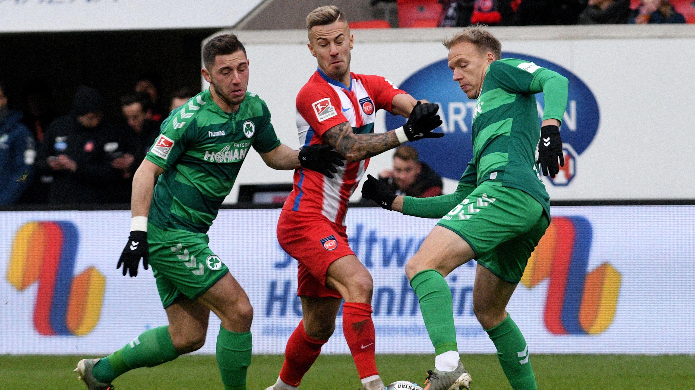 Spielszene Heidenheim gegen Fürth