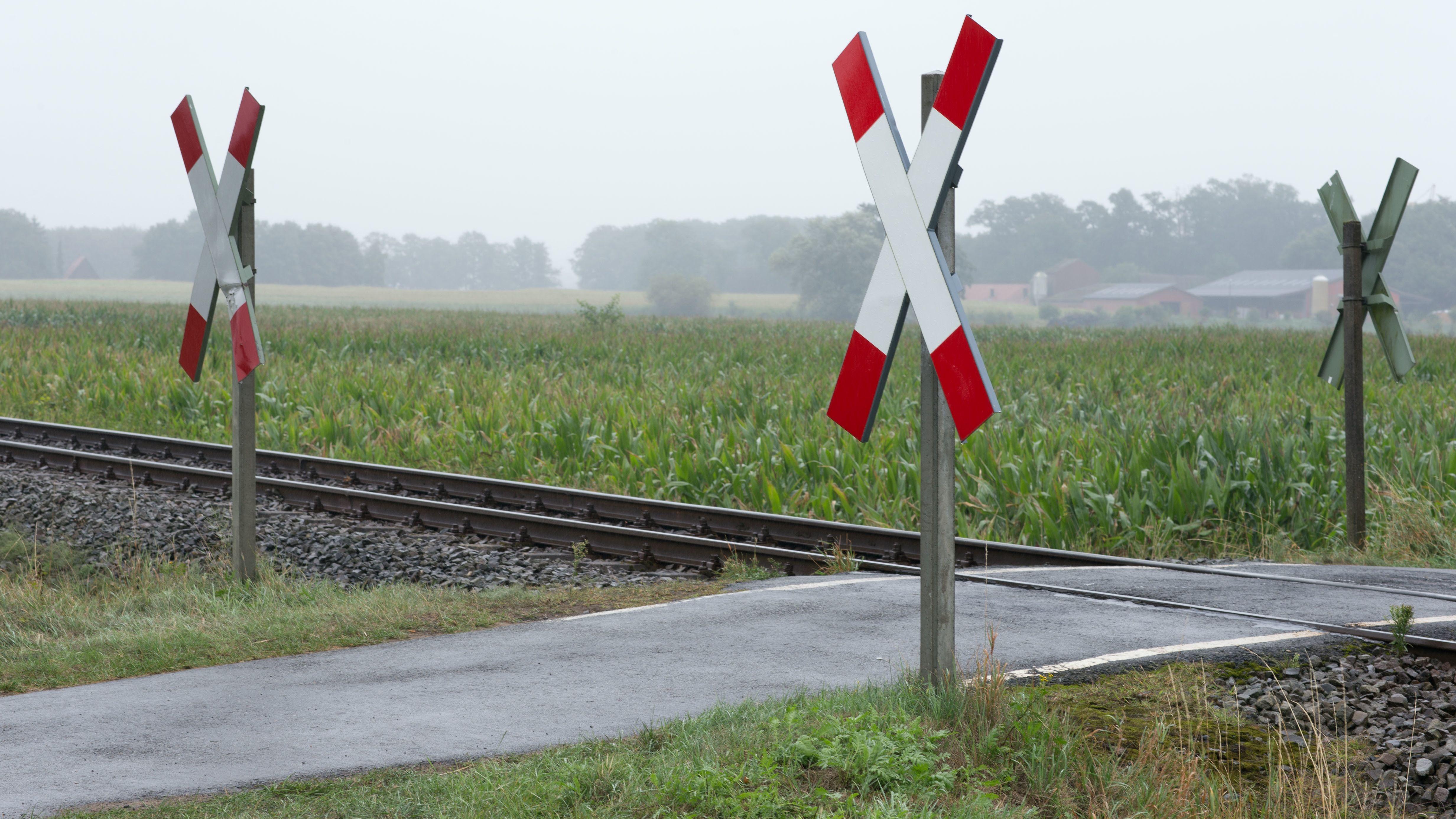 Ein unbeschrankter Bahnübergang