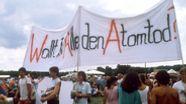 Gegner der Wiederaufbereitungsanlage Wackersdorf.   Bild:picture-alliace/dpa