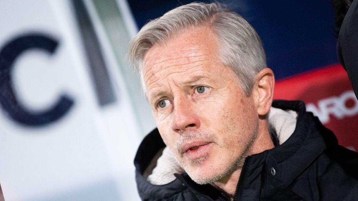 Jens Keller plagen vor der Partie gegen Darmstadt Personalsorgen.