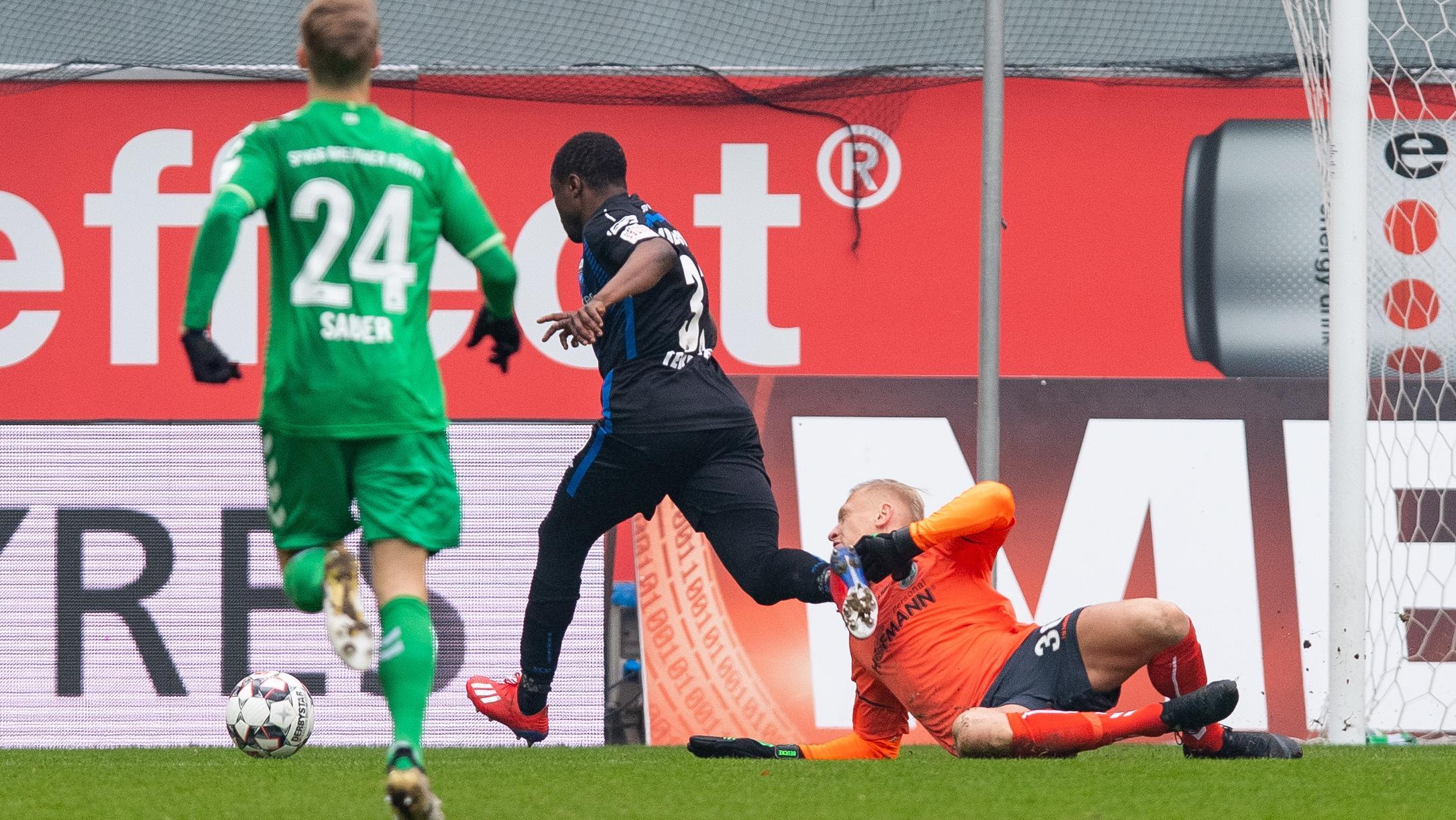 Spielszene SC Paderborn - SpVgg Greuther Fürth