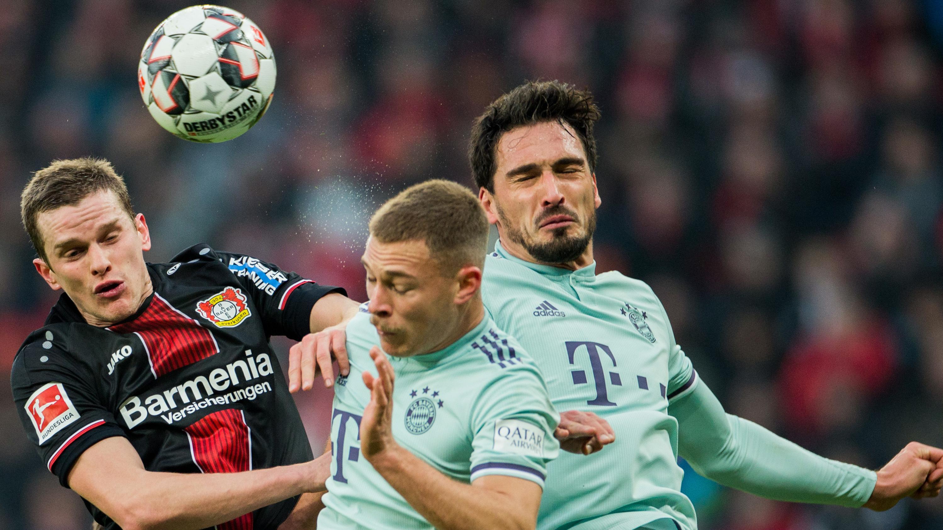 Spielszene Bayer Leverkusen - FC Bayern München